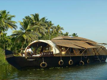 Allepey Houseboat, CTS Horizons.jpg